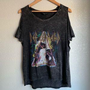 Rock & Republic Cold shoulder T-Shirt Def Leppard
